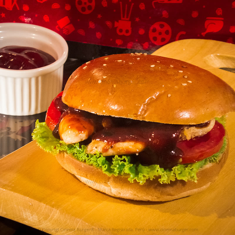 Sándwich de pollo BBQ - Cinema Burger®