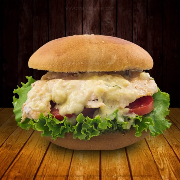 Sándwich de Pollo en salsa de queso- Cinema Burger®